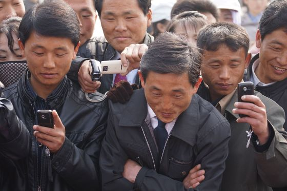 1200px-North_Korea_Cell_Phone_Revolution