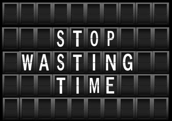 wasting timedisplay-panel-457381_640
